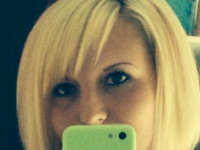 Zum Fremdgehen in Pinneberg sucht diese Blondine einen Mann